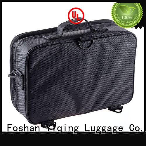 customized cosmetic and toiletry bags supplier